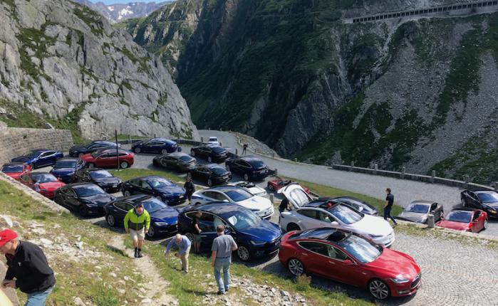 Tesla tour of four Swiss mountainpasses